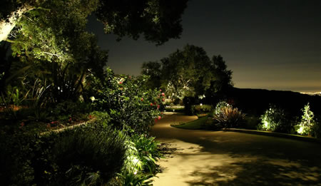 Beverly park landscape lighting by artistic illumination - Leds exterior para jardin ...